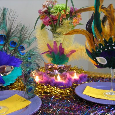 Mardi Gras Table Setting Ideas