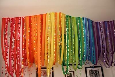 WOW – Rainbow Garland Party Installation