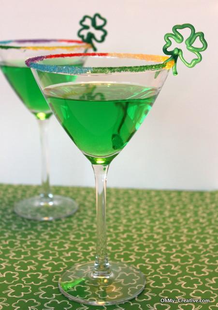 Add a festive St. Patrick's Day drinks | OHMY-CREATIVE.COM | St. Patrick's Day Cocktail | Green Drinks | Green Apple Martini | Shamrock | Rainbow #StPatricksDay #Cocktails #RimSugar