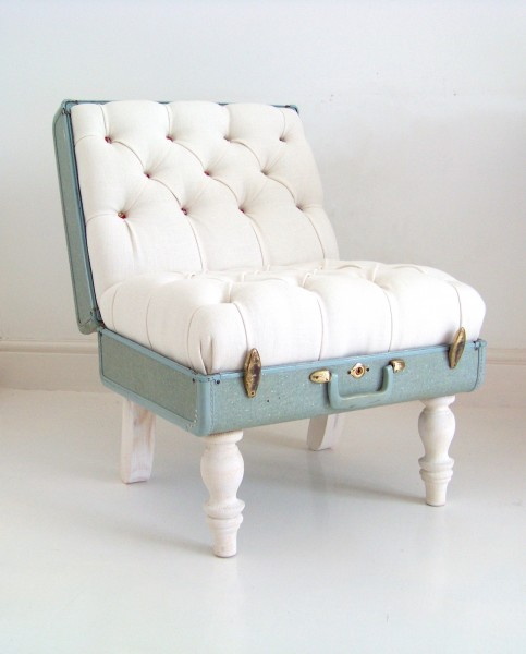 Suitcase chair included in these 20 DIY Vintage Suitcase Projects and Repurposed Suitcases. Create unique home decor using repurposed old suitcases! | OHMY-CREATIVE.COM