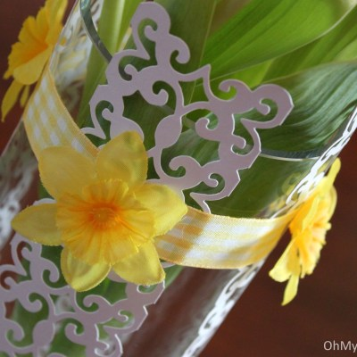 Spring Centerpiece And Table Style Using Scrapbook Paper