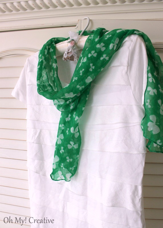 Do It Yourself St. Patrick's Day T-shirt for Women! | OHMY-CREATIVE.COMDo It Yourself St. Patrick's Day T-shirt for Women! | OHMY-CREATIVE.COM