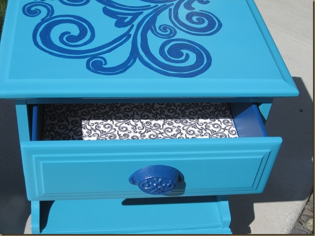 Blue-end-table-upcycle
