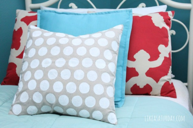 How to add polka-dots to a pillow
