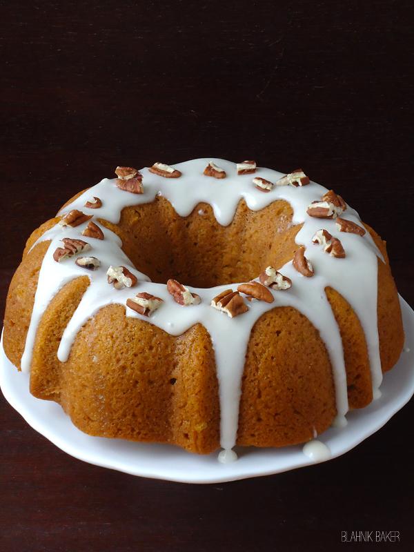Pumpkin-Bundt-cake-with-bourbon