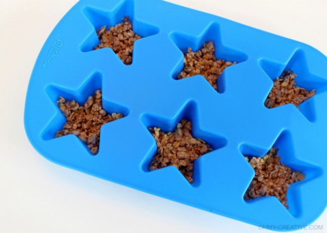 Wilton Star Mold - Patriotic Frozen Yogurt Stars  |  OHMY-CREATIVE.COM