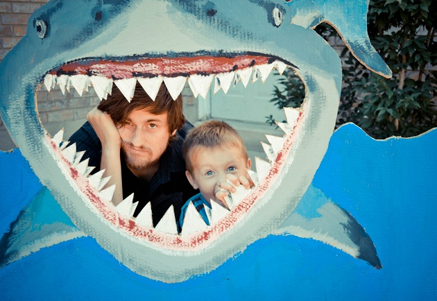 shark-party photo booth