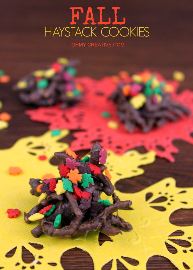 Take the traditional no bake cookie and turn them into Fall Haystack Cookies   OHMY-CREATIVE.COM #fall #fallcookies #falldesserts #fallleaves #fallrecipe #haystackcookies