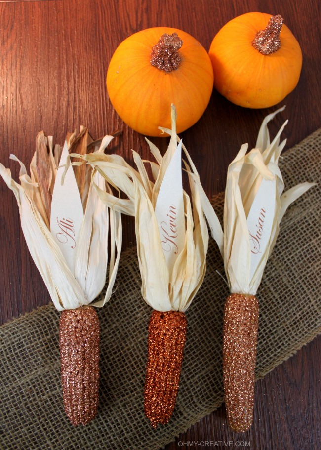 Thanksgiving Place Cards and Giller Pumpkins | OHMY-CREATIVE.COM