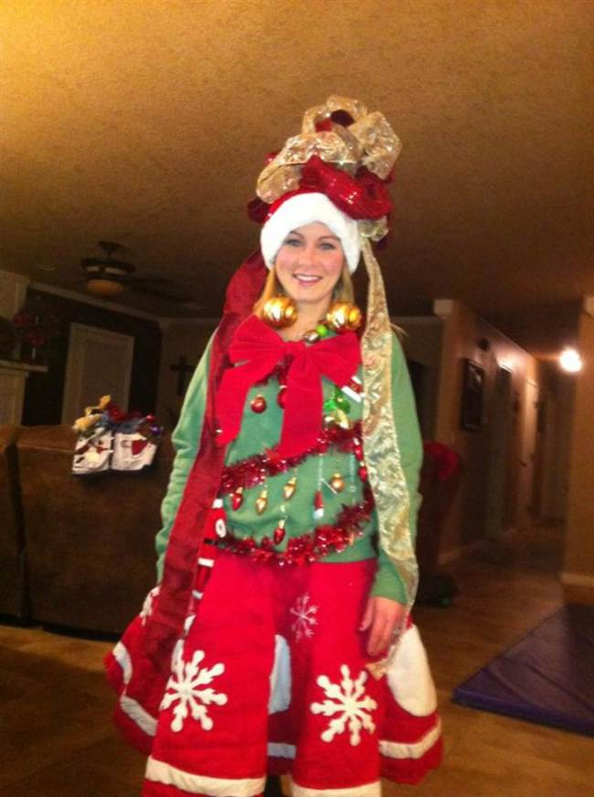 Diy Christmas In July Outfit.15 Do It Yourself Ugly Christmas Sweaters Oh My Creative