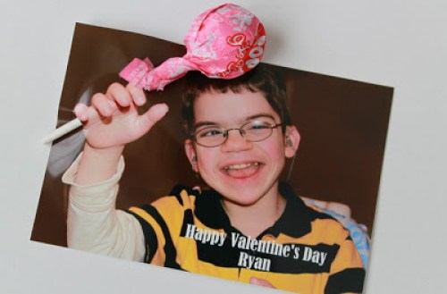 DIY Kids Valentine's Day Photo Card | OHMY-CREATIVE.COM