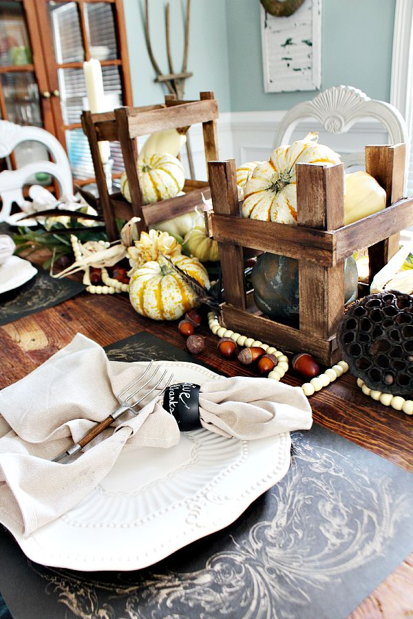 Crates filled with pumpkins for fall harvest tablescape refreshrestyle.com