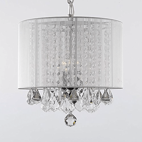 10 Stunning Crystal Chandelier Lights to update your home! A new light fixture can breath new life into a outdated room. Consider adding a little modern glam to reinvent your old space from the powder room, bathroom or the kitchen. Chandeliers are no longer for the dinning room only! Gorgeous! | OHMY-CREATIVE.COM