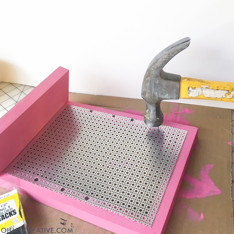 This is so easy even I could make it! Organize your favorite earrings with this DIY jewelry display holder. A quick and easy build that can be done without power tools.   OHMY-CREATIVE.COM