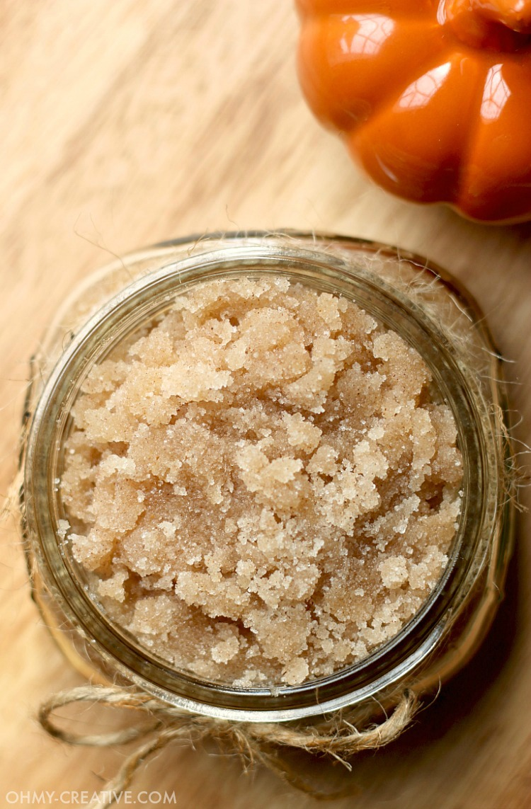 The aroma of this all natural Vanilla Pumpkin Sugar Scrub is simply amazing! This DIY sugar scrub is easy to make as we crave all things pumpkin spice for fall! It makes a great gift for friends, teachers...and yourself as the weather turns cooler. Included is a Free Sugar Scrub Printable Label! Enjoy!  OHMY-CREATIVE.COM