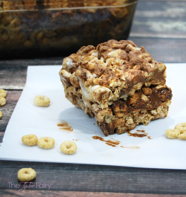 Gluten-Free Cookie Recipes | OHMY-CREATIVE.COM | Gluten Free Recipes | Easy Recipes | Gluten Free Desserts | Easy Desserts | Recipes | Gluten-Free Cookie Recipes | Cheerio Bars |