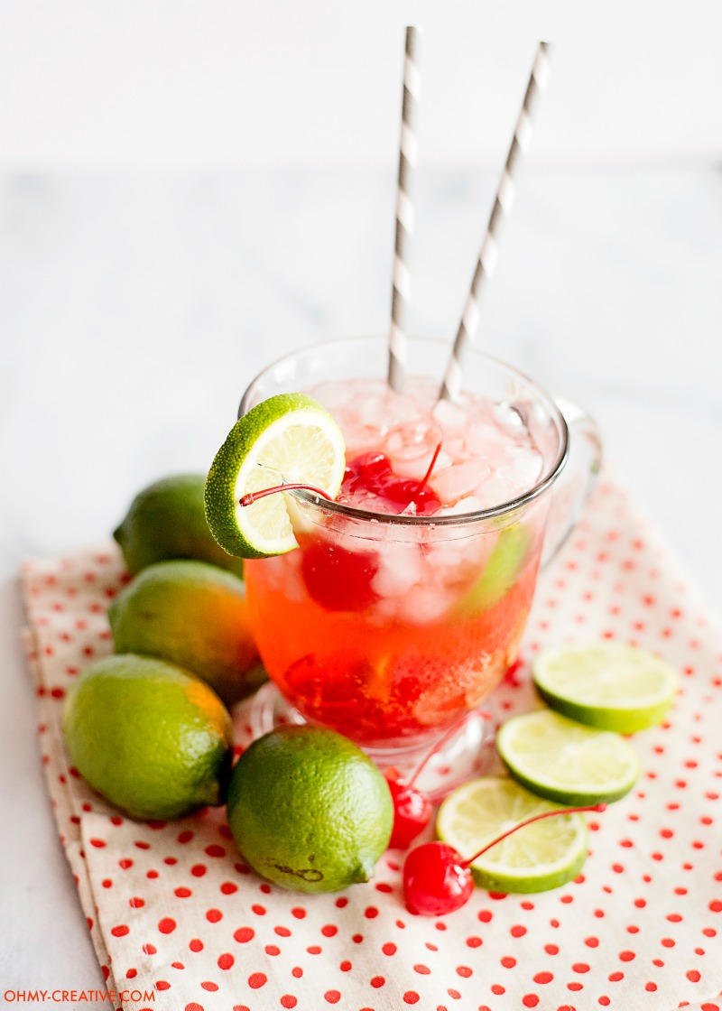 This Cherry Limeade Recipe is a refreshing drink all year long. Similar to the Sonic cherry limeade! OHMY-CREATIVE.COM | cherry limeade drink | limeade | cherry limeade soda | sonic limeade recipe #drink #cherrylimeade #drinkrecipe