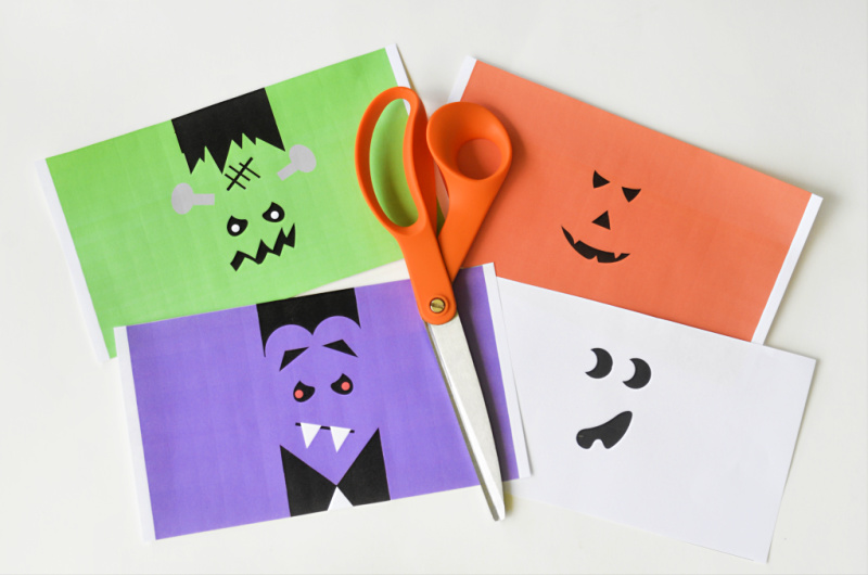 These Halloween Juice Box Covers are great for Halloween parties, to send into school or pass out on Halloween to the trick or treaters! OHMY-CREATIVE.COM | #halloween #halloweenprintables #halloweenjuiceboxcovers #juiceboxcovers #juiceboxwrappers