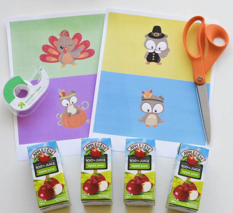 Decorate the kid's table at Thanksgiving with these Free Printable Thanksgiving Juice Box Covers - the kids will love them! OHMY-CREATIVE.COM | #thanksgiving #thanksgivingkidstable #thanksgivingprintables #juiceboxcovers