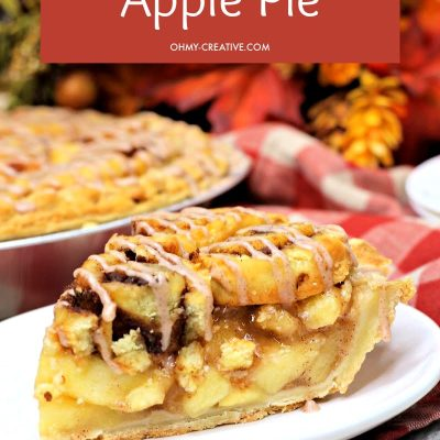 Delicious Cinnamon Roll Apple Pie