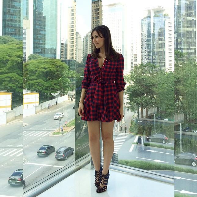 Look Inspiração: Mônica Araújo com vestido xadrez!