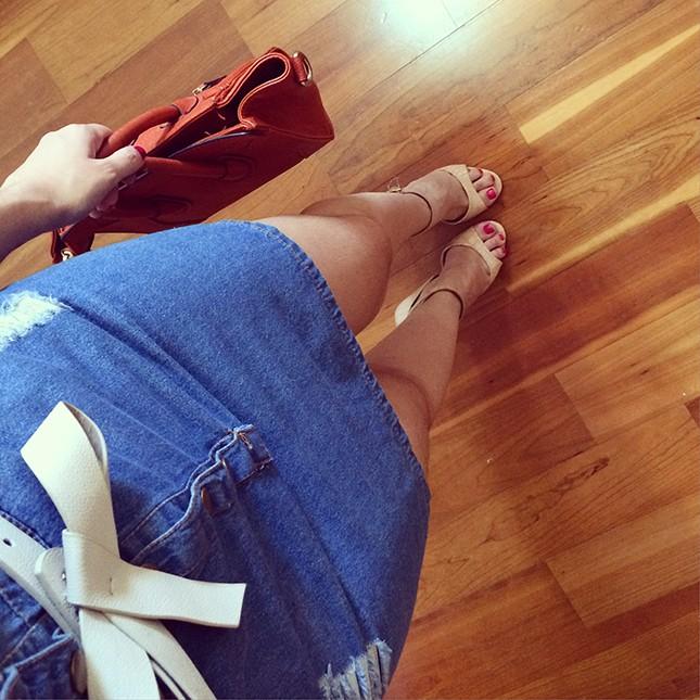 Look Inspiração: Mônica Araújo com vestido jeans Ali Express!