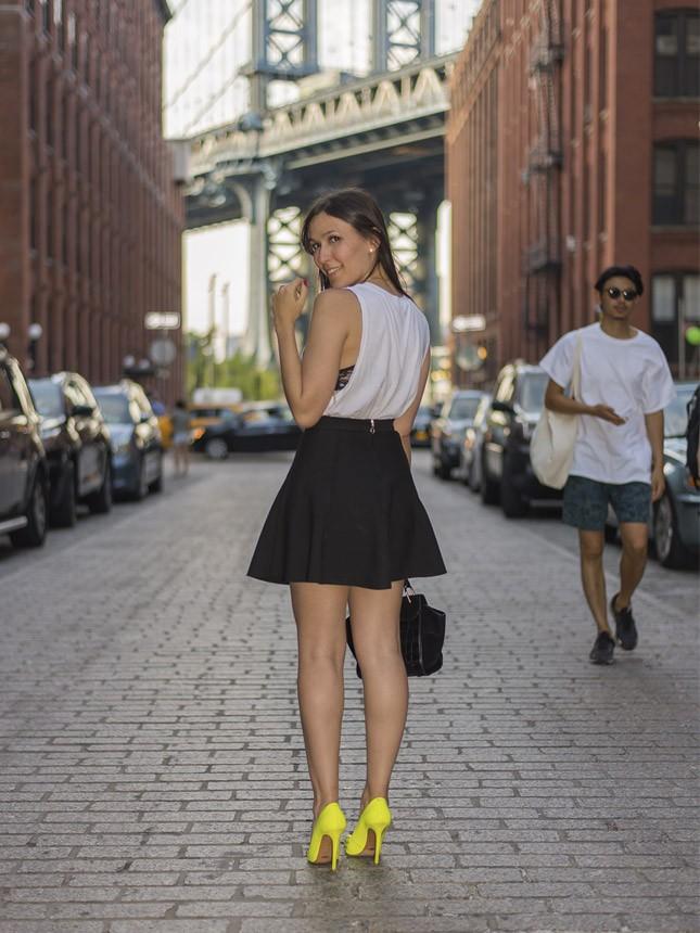 Mônica Araújo em DUMBO, fazendo o guia de Nova York #NYexperience.