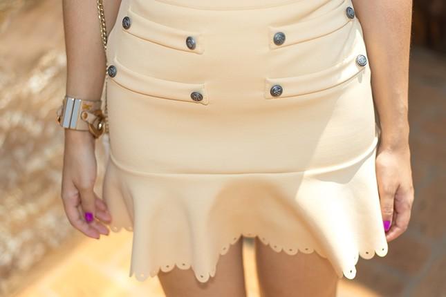 Mais detalhes da saia Cloude usada pela blogueira Mônica Araújo