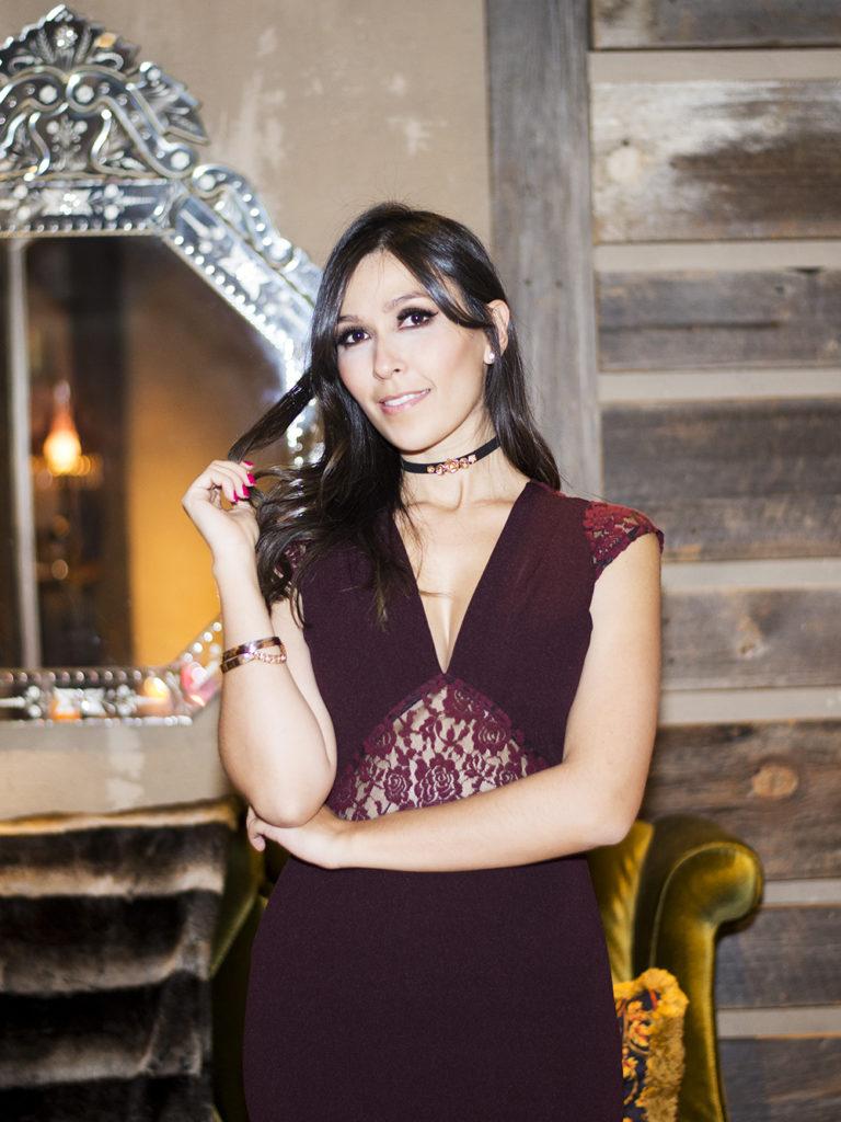 A blogueira Mônica Araújo já aprovou a S Trend, nova marca do grupo Skazi. Veja mais detalhes do vestido no Oh My Closet!