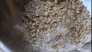 oats, flour, brown sugar mixture