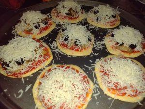 mini pizzas toppings