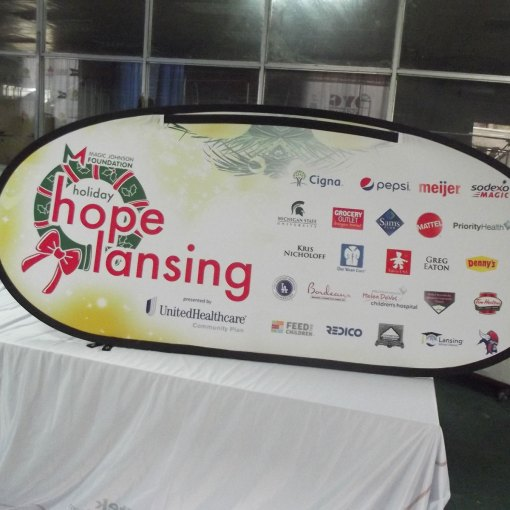Oval-Outdoor-Banner