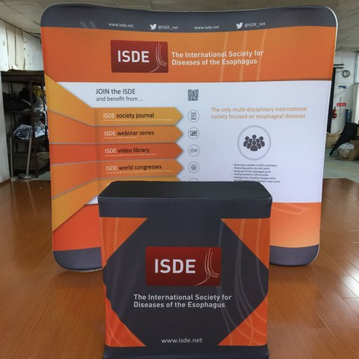 Curved-Tension-Fabric-Display-with-wrapped-podium-carry-case