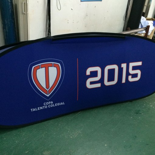 Oval pop up lawn banners