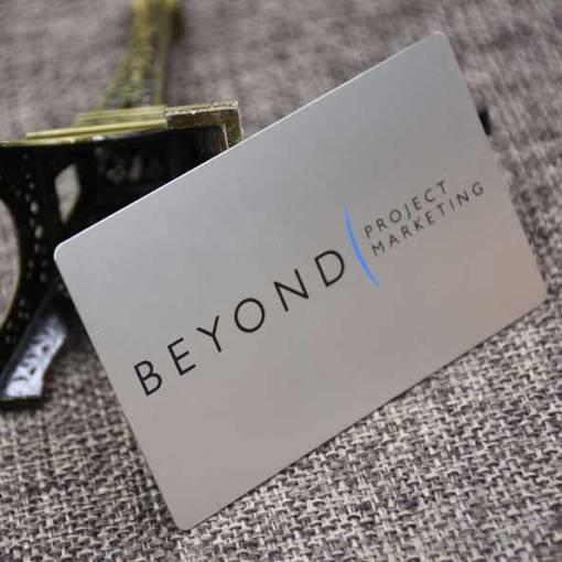 Matte-Silver-Metal-Business-Card