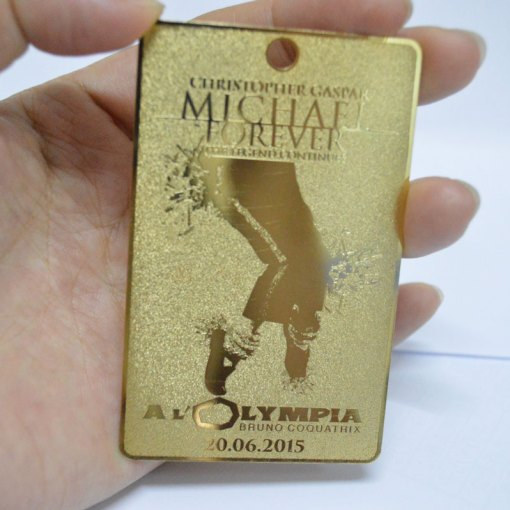 Gold VIP membership metal cards