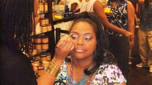 "Nikka Shae getting ""glammed up"" by LAMIK artists"