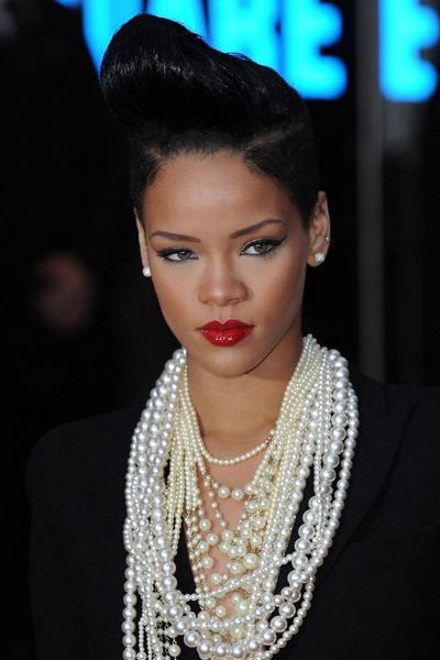 Rihanna rockin the retro look