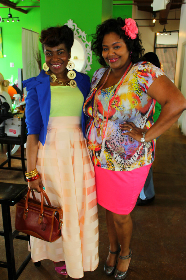Ms. Kerrie the VirtuousOne and co-panelist Nikka Shae. Aren't we all Springy and colorful?!