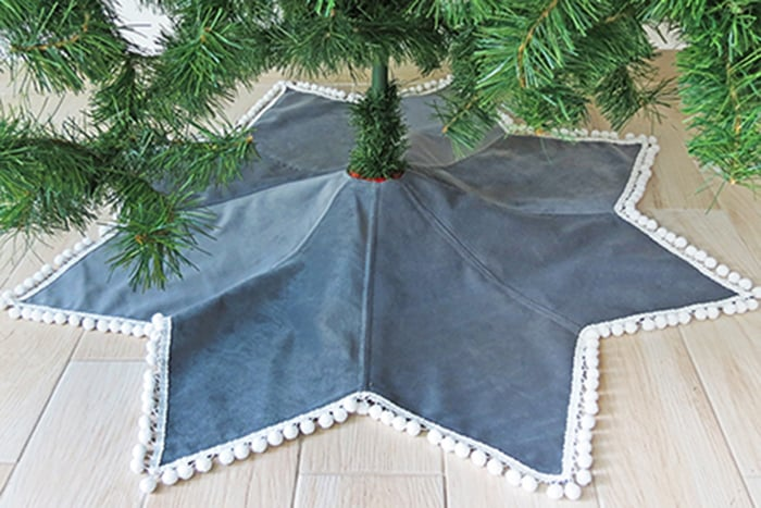 sew a star Christmas tree skirt