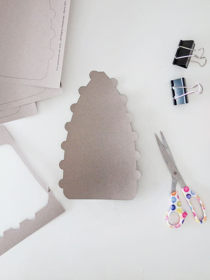 Cut the paper lampshade template