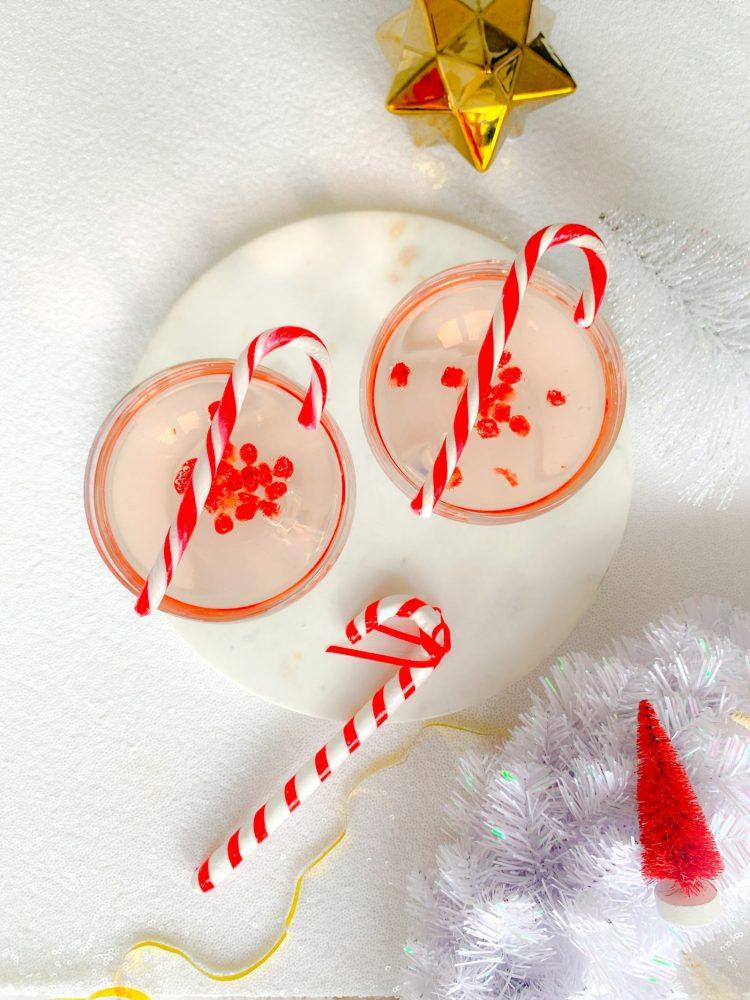 Pomegranata Fizz Christmas Cocktail