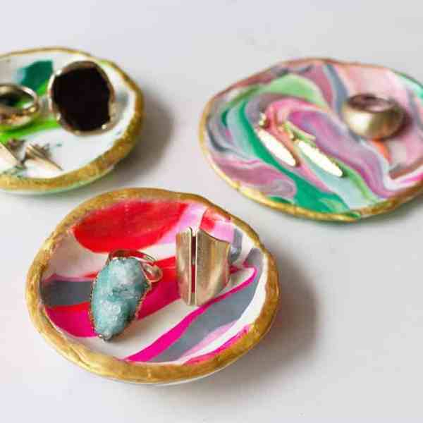 DIY  //  MARBLED CLAY DISHES