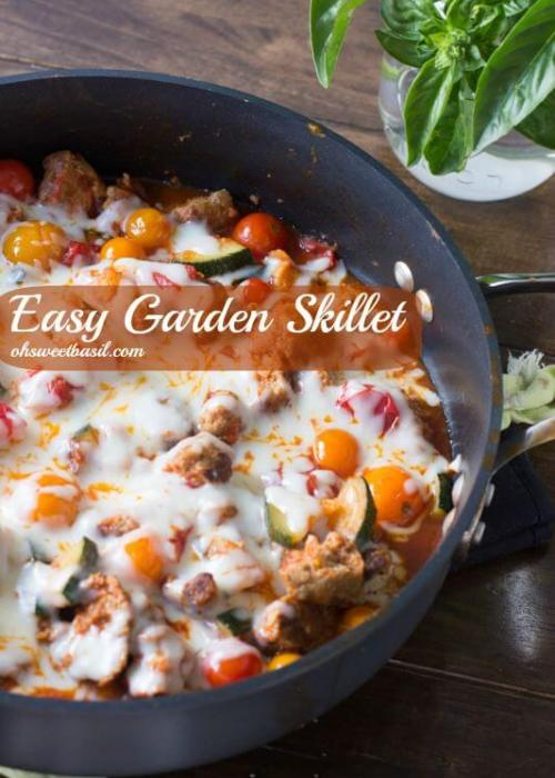 Easy way to use up that bursting garden, a cheesy garden skillet! Plus it can be made with or without turkey meatballs, #vegetarian for #m