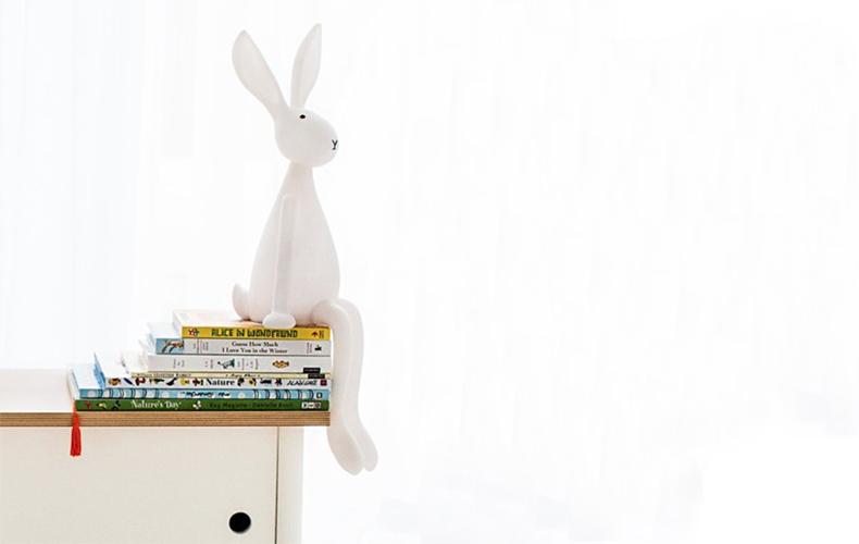 Funny bunny lamp houdt de wacht