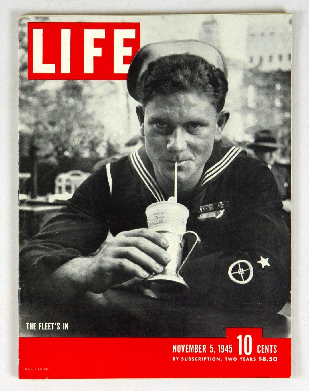 LIFE Magazine 1945 Nov 5 The Fleet's In