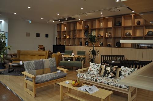 振興センター家具