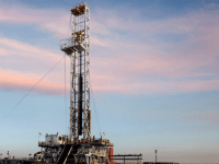 EOG on a Roll: 9500 Locations, 40 Rigs, 20 Frac Spreads, 720 Planned Completions for 2018