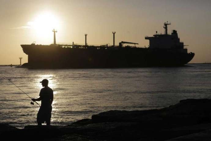 https://www.chron.com/business/energy/article/U-S-Crude-Export-Trading-Dries-Up-as-Tanker-14538063.php?cmpid=ffcp-oag360