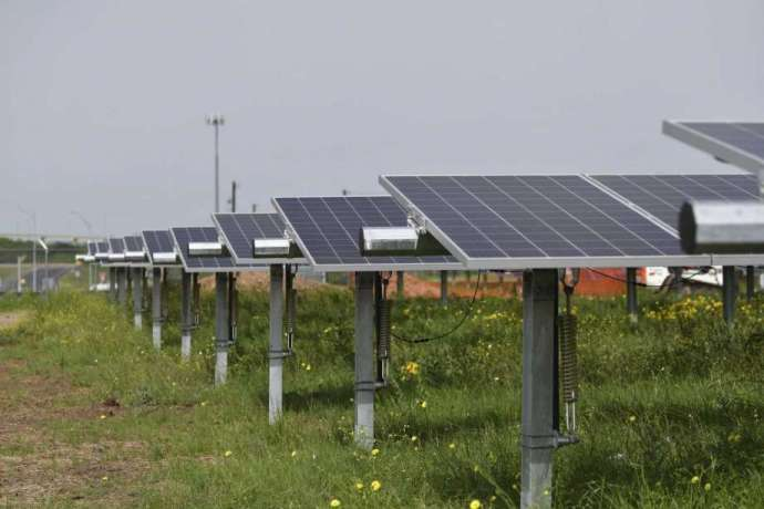 https://www.chron.com/business/energy/article/Wells-Fargo-inks-solar-deal-with-NRG-14550288.php?cmpid=ffcp-oag360